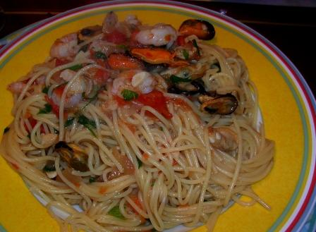 Spaghetti alla marimara, Rezept aus der Italienischen Kueche, Sizilien Kochbuch mit Rezepten die einfach zuzubereiten sind